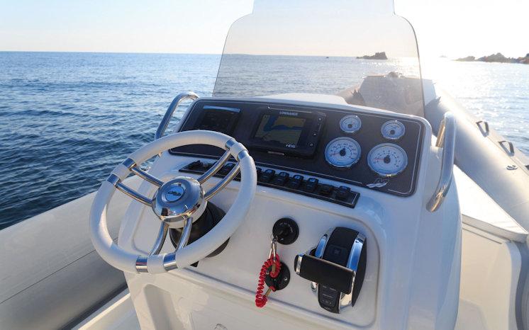 Cockpit Blackfin Elegance 8